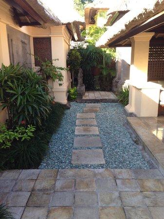 Four Seasons Resort Bali at Jimbaran Bay : Villa entrance