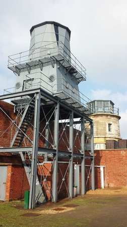 Hurst Castle: Castle lighthouse