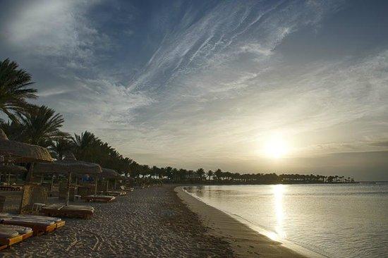 SENTIDO Palm Royale Soma Bay: Plaża