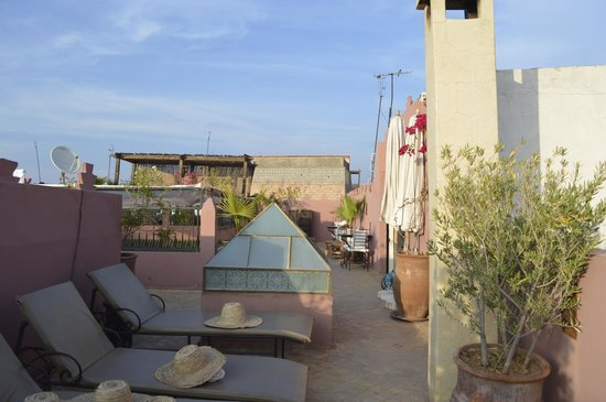 Dar Rocmarra : Roof terrace by day