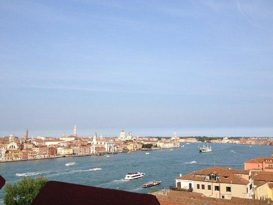 Hilton Molino Stucky Venice Hotel: Veduta dall'ottavo piano dello Skyline bar!