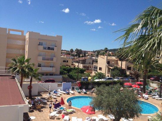 Elegance Vista Blava: pool view