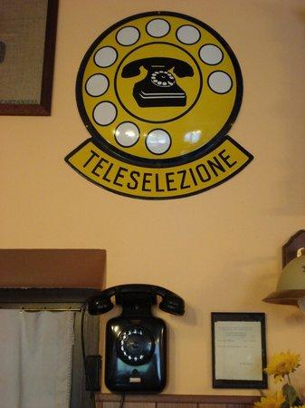Osteria Vallebona: la vecchia telefonia funzionante