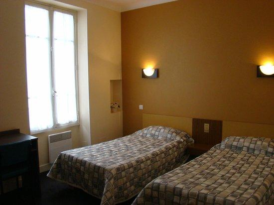 Hotel restaurant Saint Sebastien : chambre pour 2 personnes