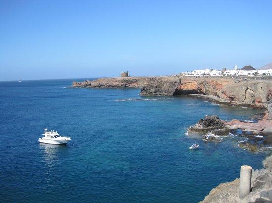 Castillo de las Coloradas : El oceano y El Castillo