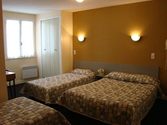 Hotel restaurant Saint Sebastien : grande chambre 4 personnes