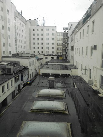 Best Western Hotel Zur Post: View from the window ... not nice .. not nice