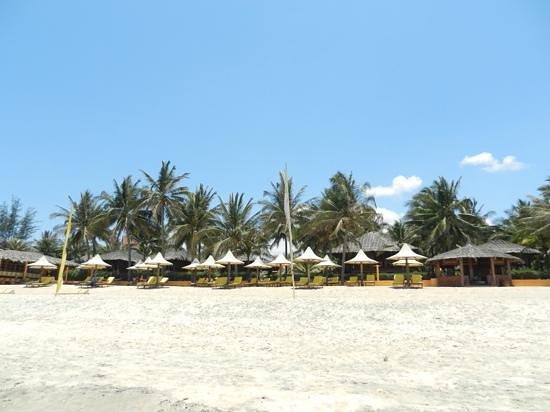 Coco Beach Resort: Strandabschnitt