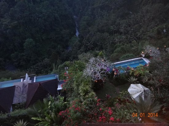 Rijasa Agung  - Bali Ubud Luxury Hotel Resort Villa: view down to river from room