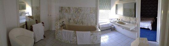 Chateau de Ribagnac: Salle de bain de la Grand Suite