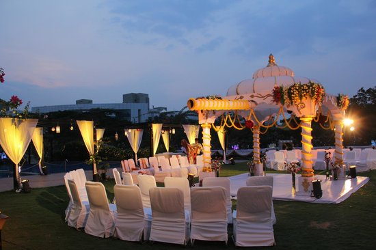 Fortune Select Trinity: Mandap
