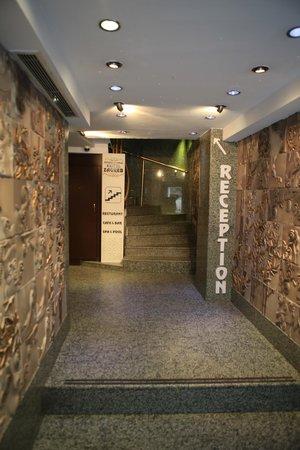 Zagreb Hotel: Hall