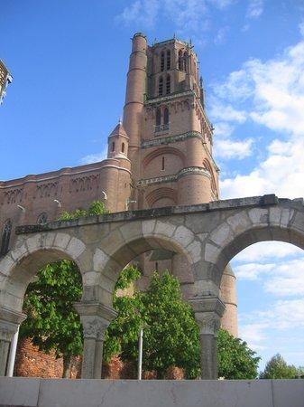 Hotel Les Pasteliers : la torre catedral