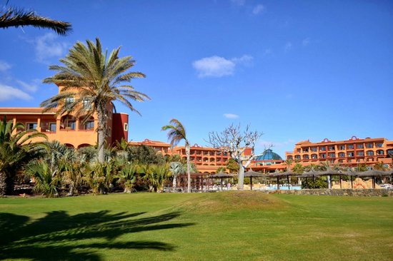 Sheraton Fuerteventura Beach, Golf & Spa Resort: Hotel garden