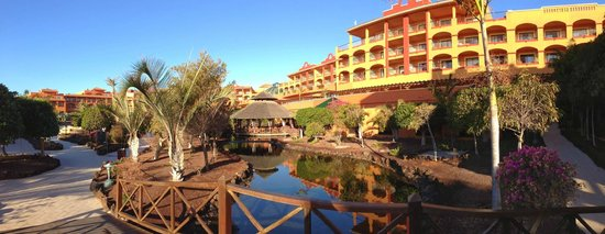 Sheraton Fuerteventura Beach, Golf & Spa Resort: Hotel grounds