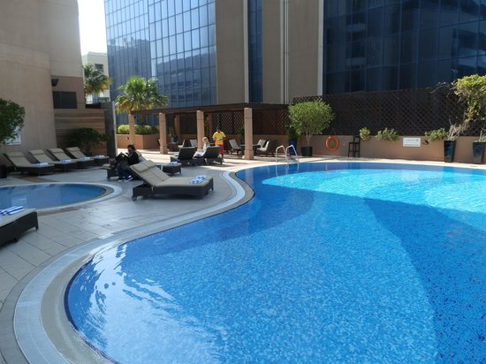 Majestic Hotel Tower: Pool area at Majestic