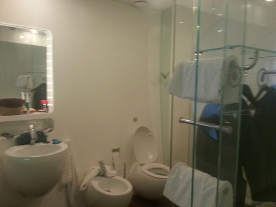DuoMo Hotel : bagno