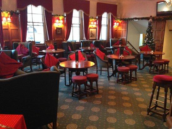 Castle Hotel: lounge bar