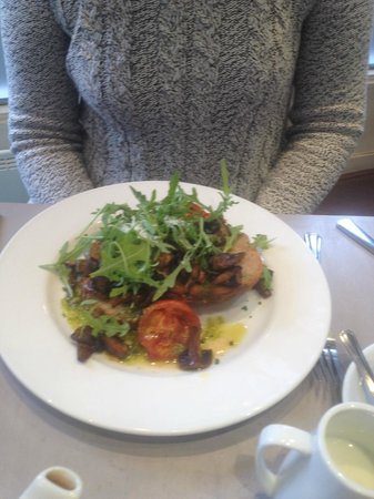 The Lighthouse Cafe and Bar: Mushrooms on toast with pesto dressing and rocket £4.95