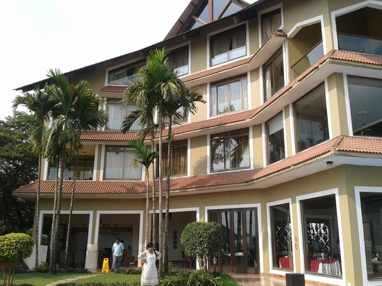 The Crown Goa: Hotel Building