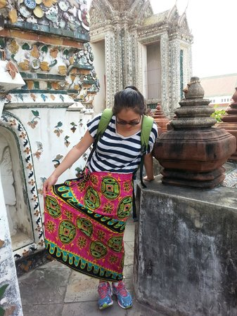 Temple de l'Aube (Wat Arun) : Hired sarong