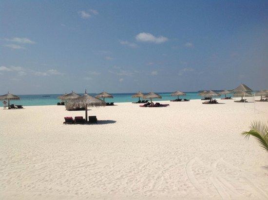 Constance Moofushi: Main beach