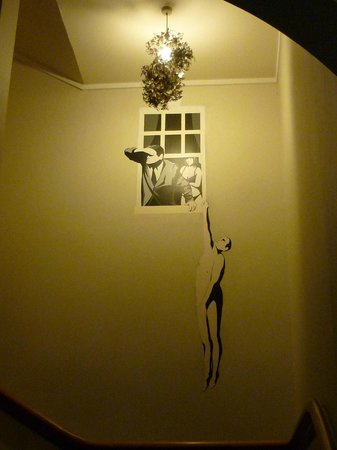 Grosvenor Hotel: Wall art at the Grosvenor