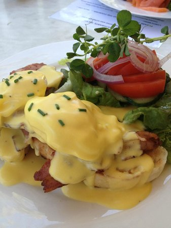 Sweethearts Cafe: Best Eggs Benni