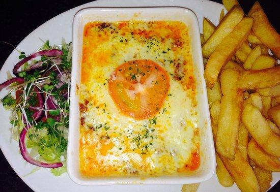 Hen Siop Pont-Y-Pair: Delicious lasagne verdi!