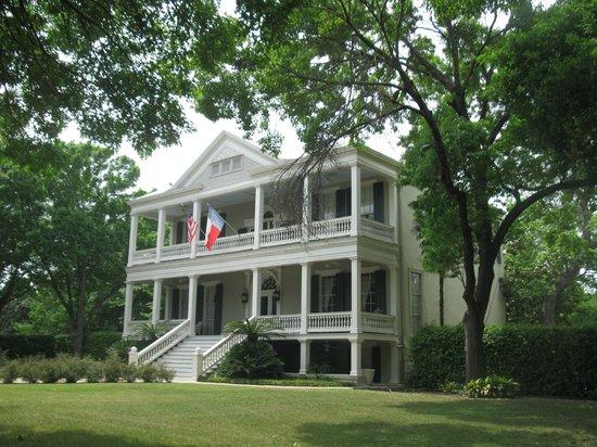Noble Inns - The Oge House, Inn on the Riverwalk: Charming Riverwalk B&B