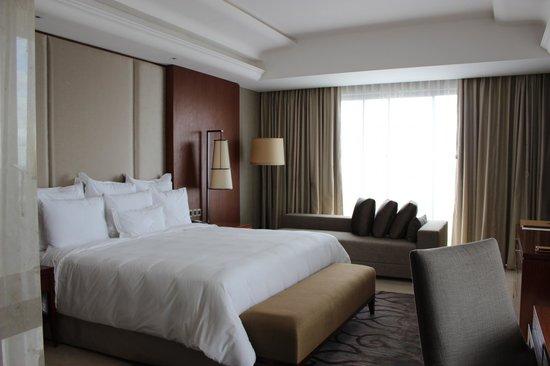 Hotel Tentrem Yogyakarta : Bedroom