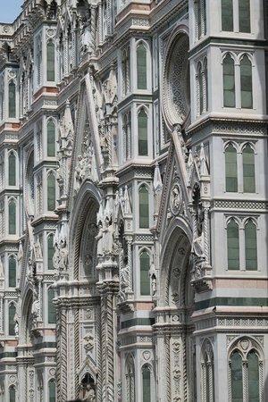 Kathedrale Santa Maria del Fiore: facciata