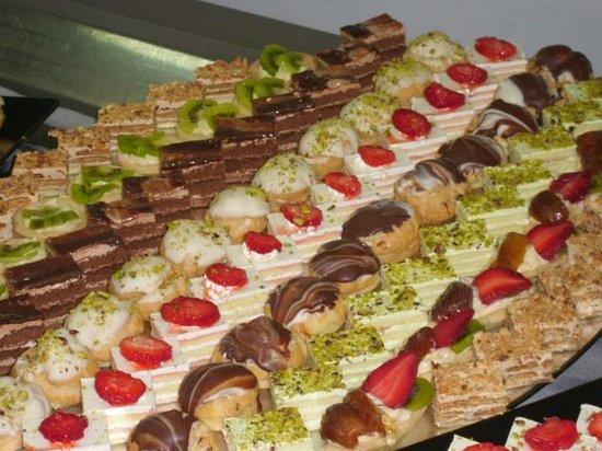 PrimaSol El Mehdi: Buffet desserts