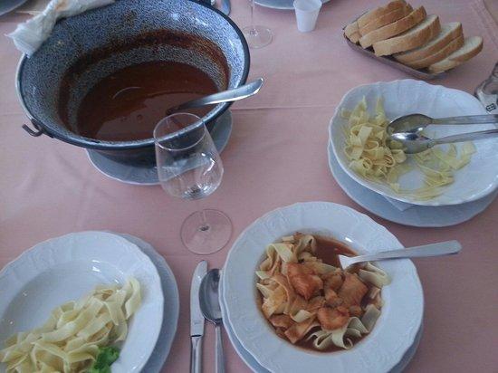Dunav Restaurant : Tagliatelle con sugo di zuppa di luccio