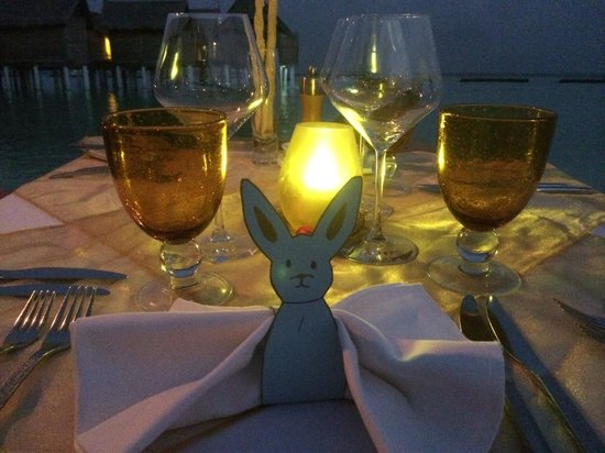 Constance Moofushi: beach restaurant- easter