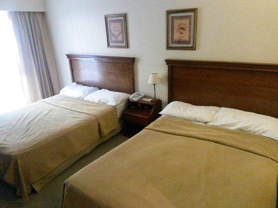 Kalenshen Hotel - Cerro Calafate: cama reicén hecha 3