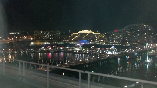 Four Points by Sheraton Sydney, Darling Harbour: night shot out our harbor view window