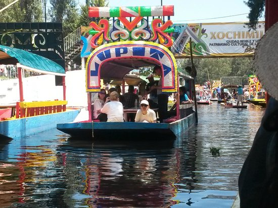 Xochimilco : Trajineras coloridas
