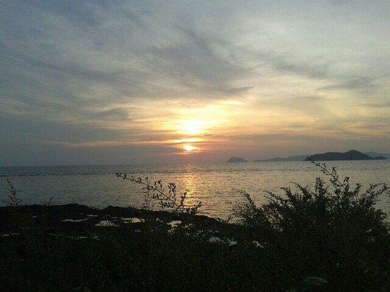 """Banana Sunset - Bar and Bungalows: The """"banana sunset"""" sunset"""