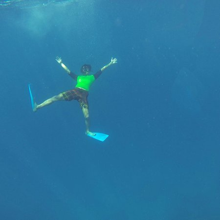Guraidhoo Vacation Inn : Snorkeling in Maldives
