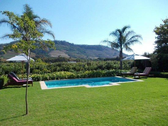 La Cle des Montagnes : Pool Area