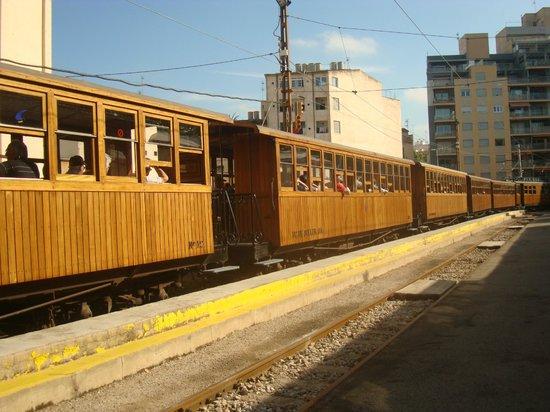 Ferrocarril de Soller : Tren en Palma