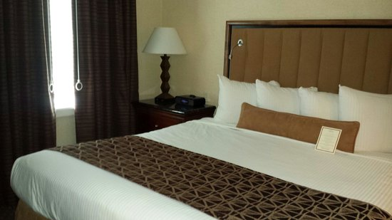 Eden Resort and Suites, BW Premier Collection: King villa bedroom