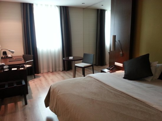 LOFT Hotel Bratislava: vista camera