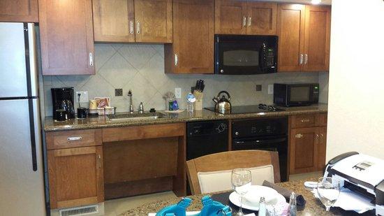 Eden Resort and Suites, BW Premier Collection: King villa kitchen Best Western Eden
