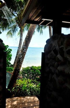 Coconut Grove Beachfront Cottages: outside lava shower in Banana bure