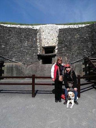 Irlanda en Espanol : Newgrange