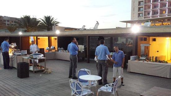 Kempinski Hotel Aqaba Red Sea : Resuranten på stranda, bra