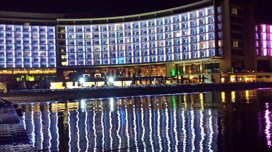 Kempinski Hotel Aqaba Red Sea : by night