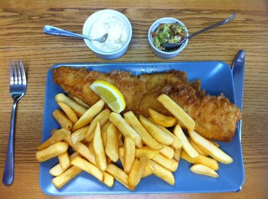 Baileys Fish and Chips : Fish and chips con salsine